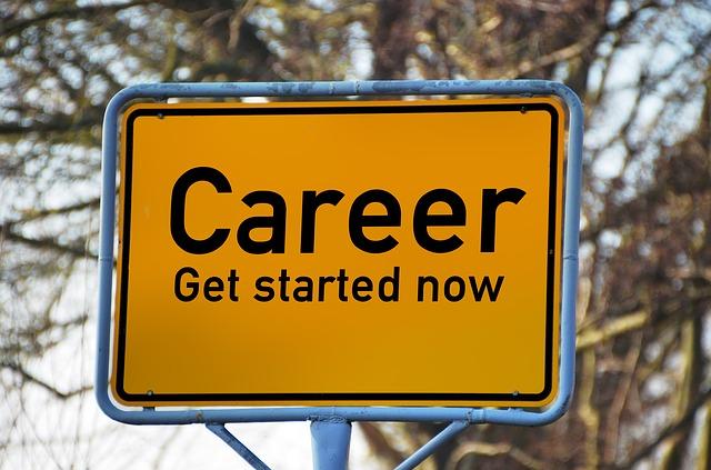 esay-careers